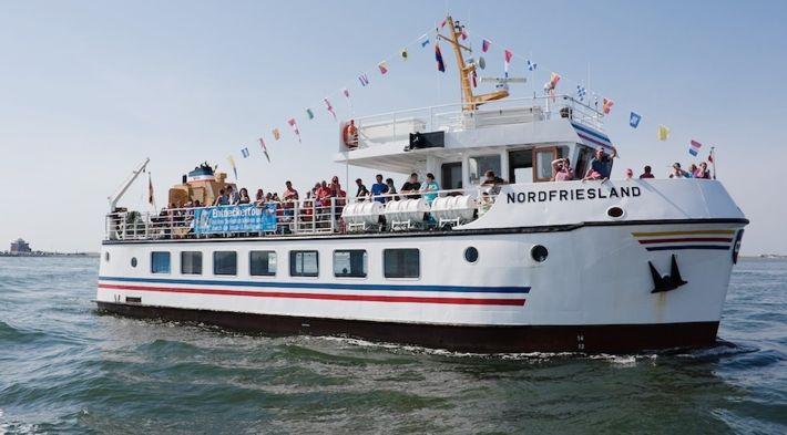 Naturkundliche Schiffsfahrt zu den Seehundsbänken mit Seetierfang